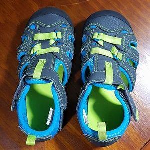 Kids sandals, sz 8